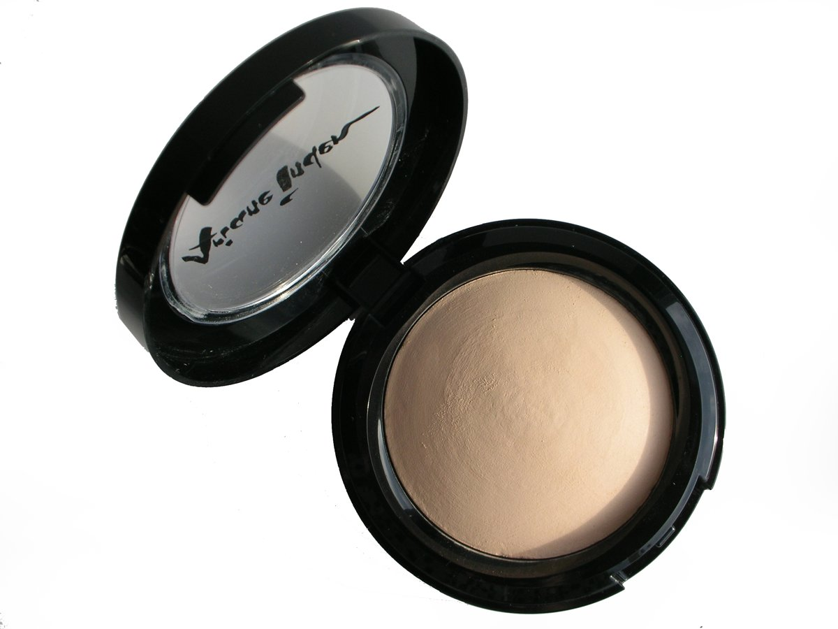 Ariane Inden Baked Hydrating Powder Foundation - Light - Foundation